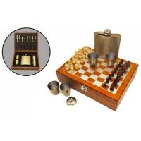 Подарочный набор с фляжкой (232мл) и шахматами. + 4 металлических стаканчика, объемом 30мл.